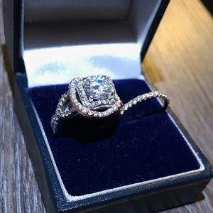 Jewelry - Women's Engagement Ring with Wedding Band Included